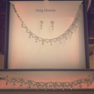 Tara Vanessa necklace, earrings & bracelet set